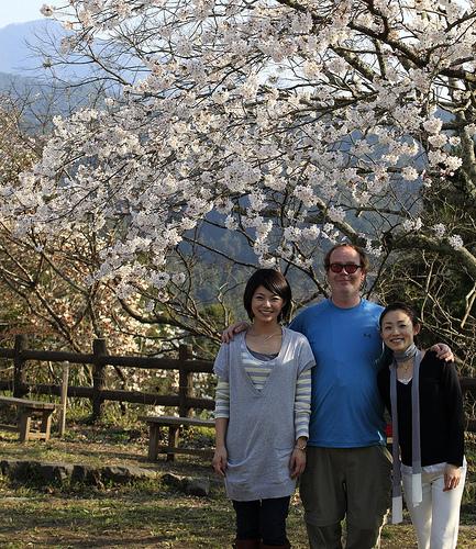 Darren with Cute Girls in Yoshino, Japan